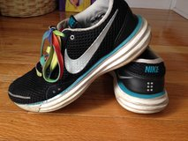 Women's NIKE lightweight 8.5 in Lockport, Illinois