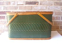 Retro Vintage  Picnic Basket in Bartlett, Illinois