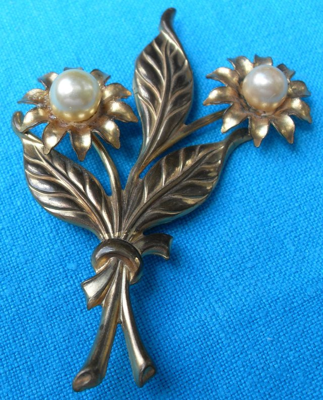 Vintage Brooch Old Gold Metal Large Pearls Flower Bouquet Hand Tooled Ready To Wear Jewelry